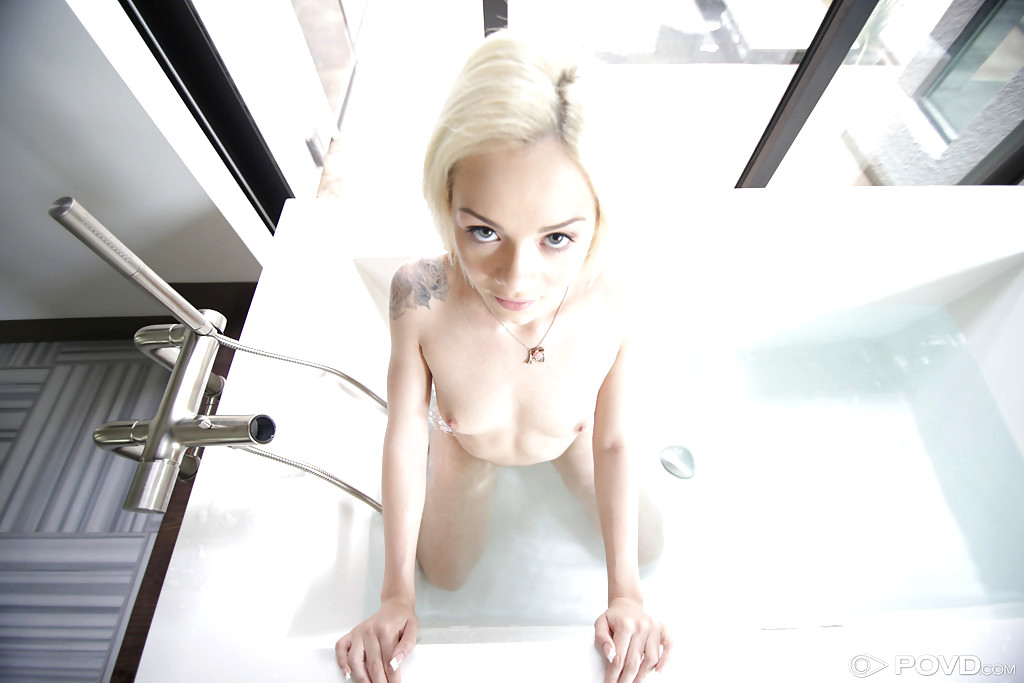 Elsa Jean And Biography At The Sexbomb Blonde 1