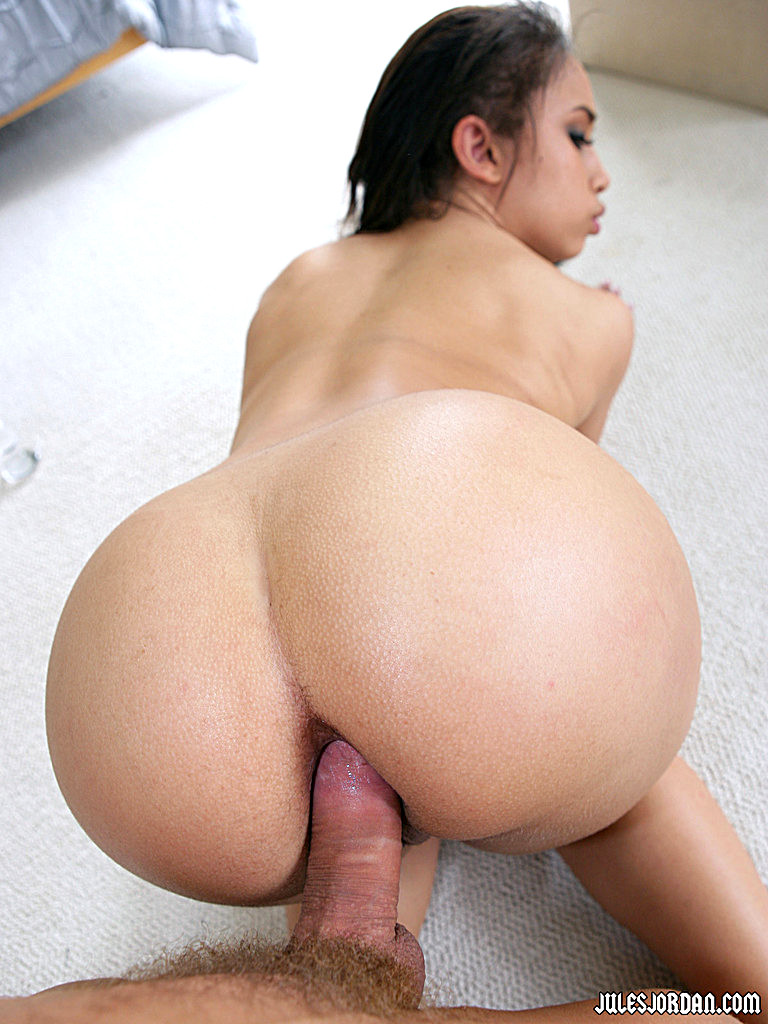 Gratis Anal Porno mit Aurora Jolie