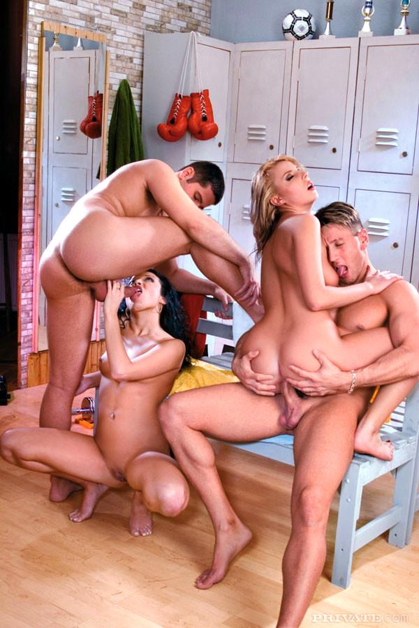Красивые толстушки групповое порно с сюжетом
