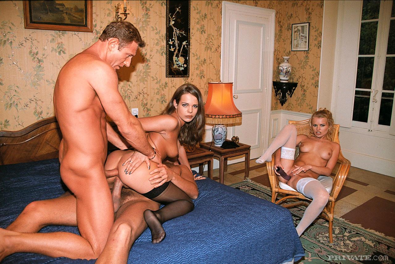 Жена снимается в порно фильмах женщина самаре