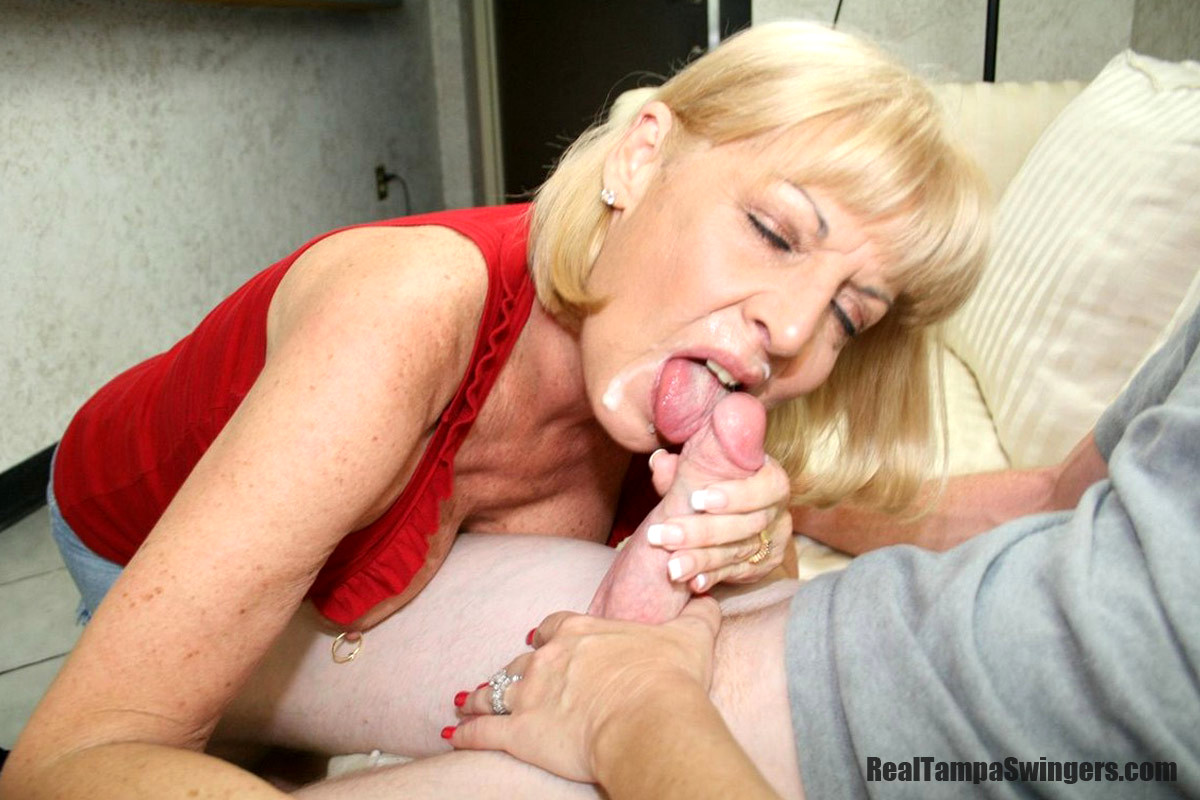 mommy-milf-mouth-full