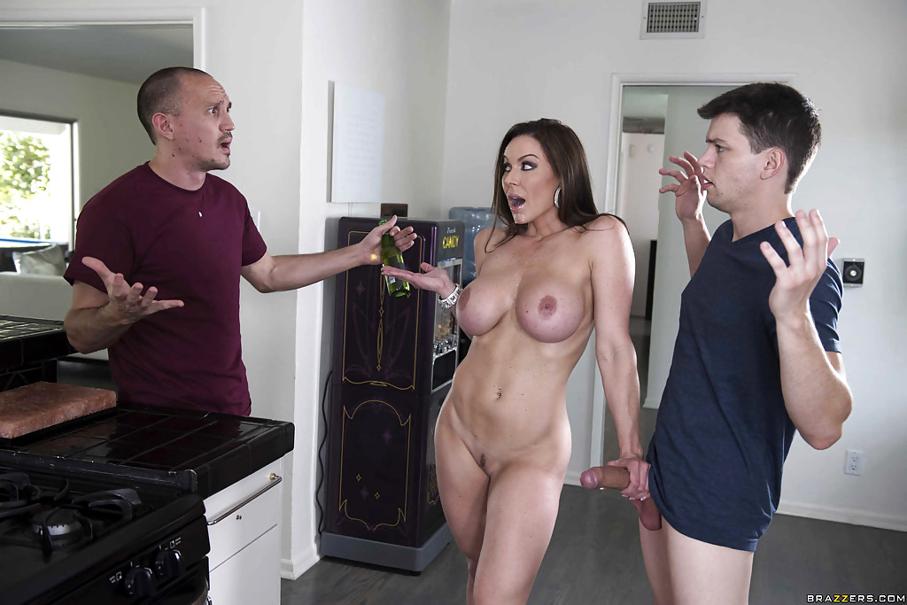 Busty Wife Cheats With Their Gardener Elisa Morales