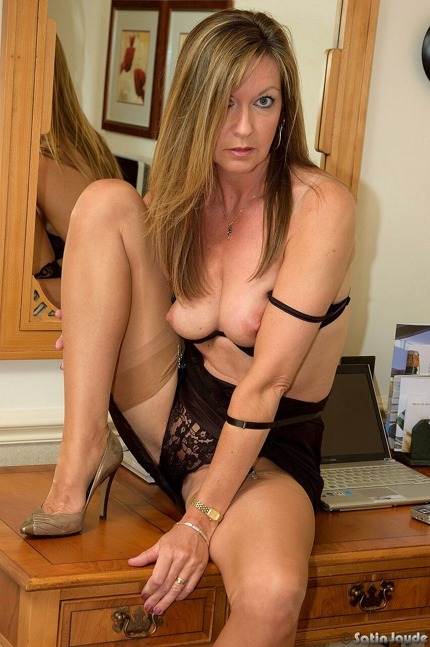 Sexy satin jayde playing with herself