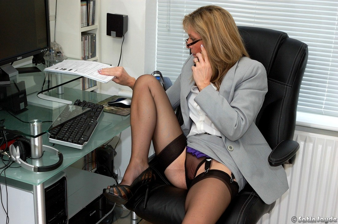 teacher-business-woman-upskirt-thumbs