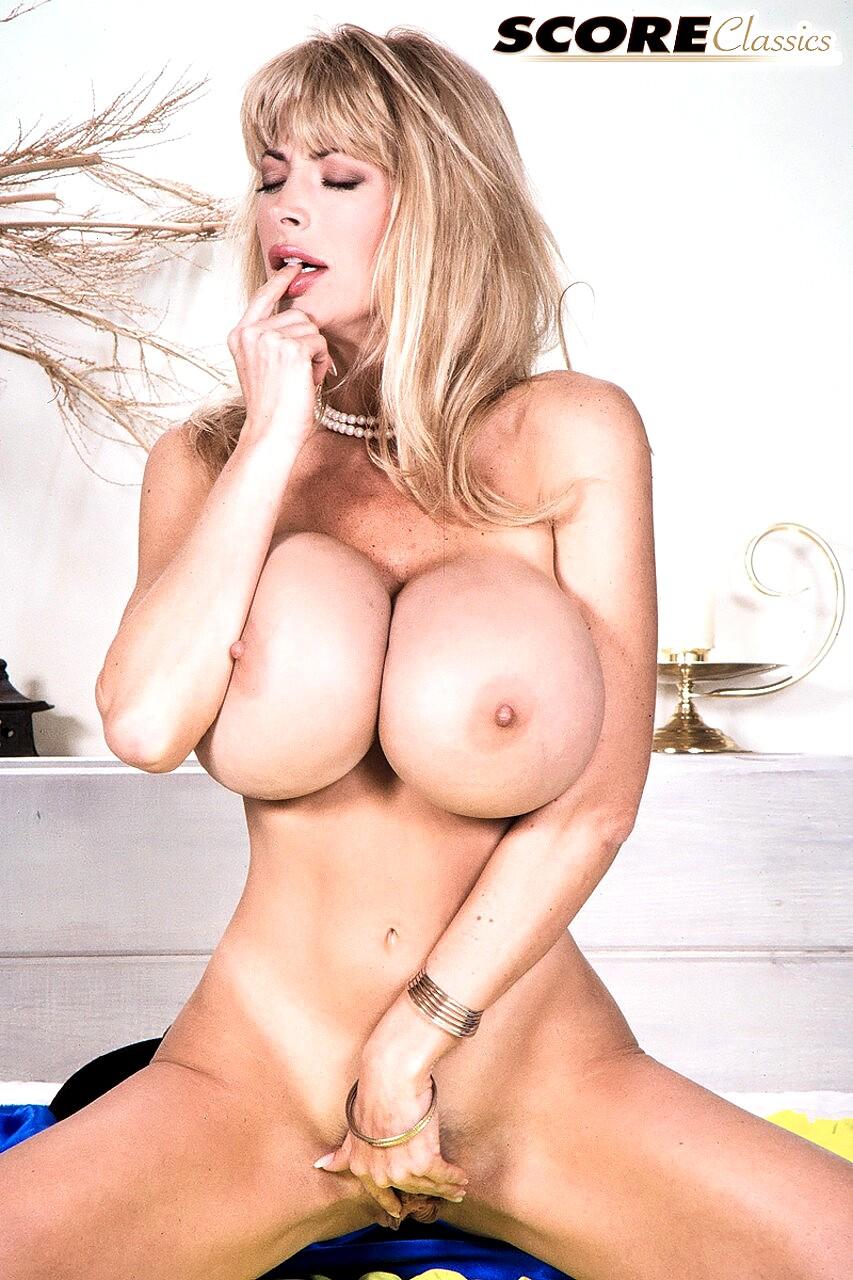 Nude Pandora Peaks