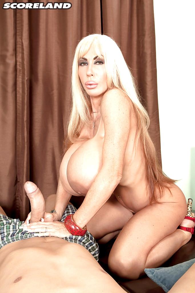 Starr nackt Jennifer  Fox 2