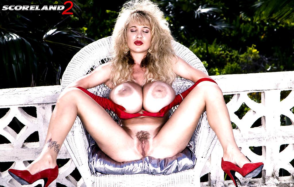 Lisa chest anal porn — photo 14