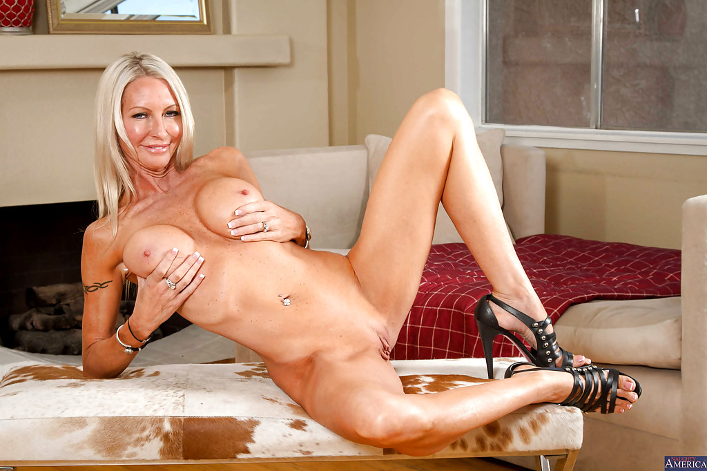 Alexis adams seduced by milf into 3way 10