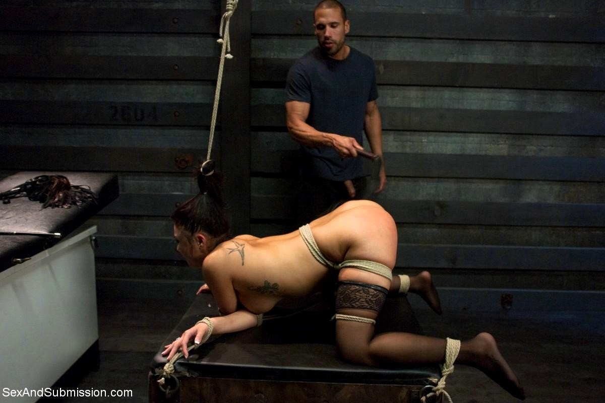 Masseuse brooke banner gets fucked hard by her client 3
