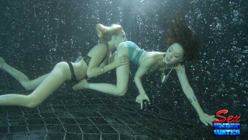 lesbian-sex-under-water-free-suprise-bukkake-gallerys