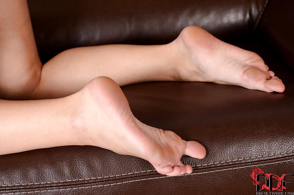 Foot fetish 18-9451
