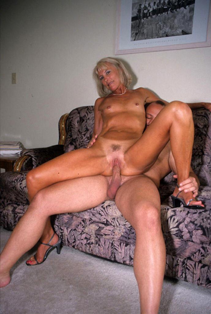 Jessica jaymes and sarah vendella sucking a big hard dick 7