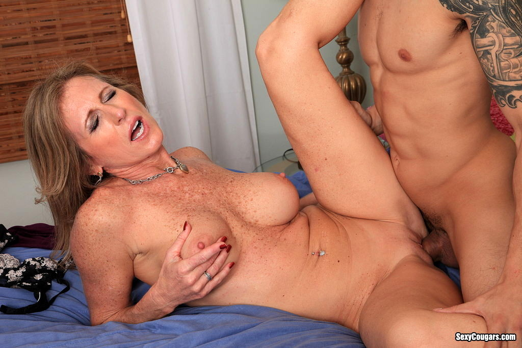 Cougar assfucked