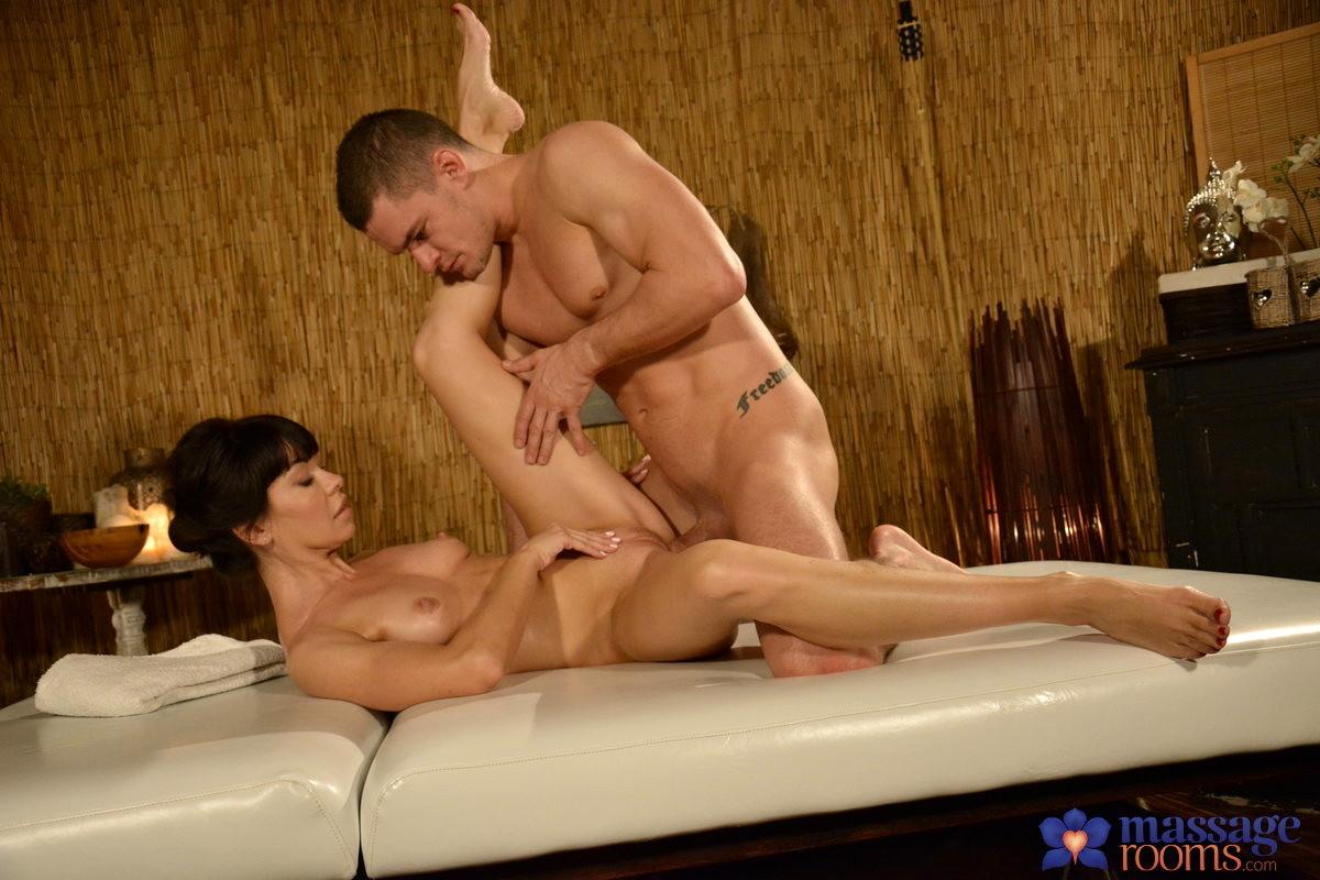 Xxx massage room