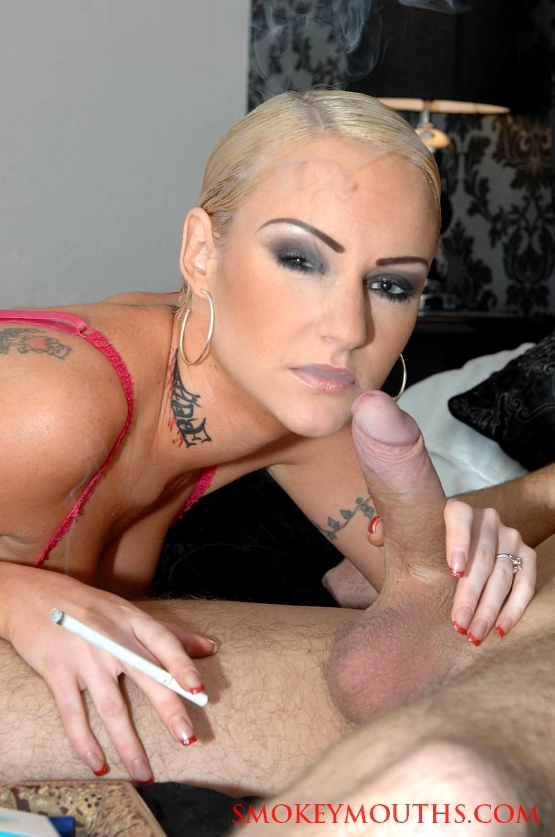 image Sexy blonde babe loves licking