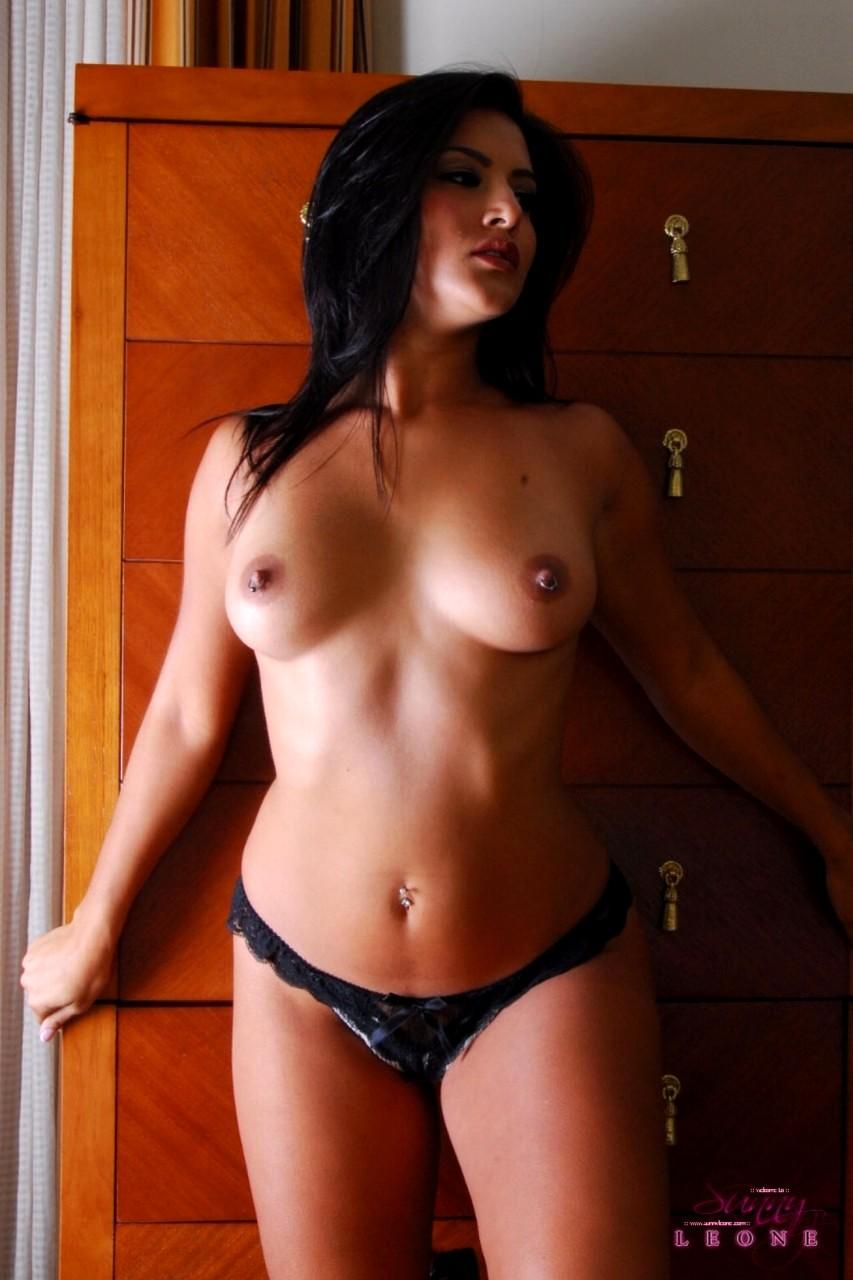 Sunny Leone Sunny Leone Beautiful Big Tits Brunette Busty Curvy Indian Persian Sexy