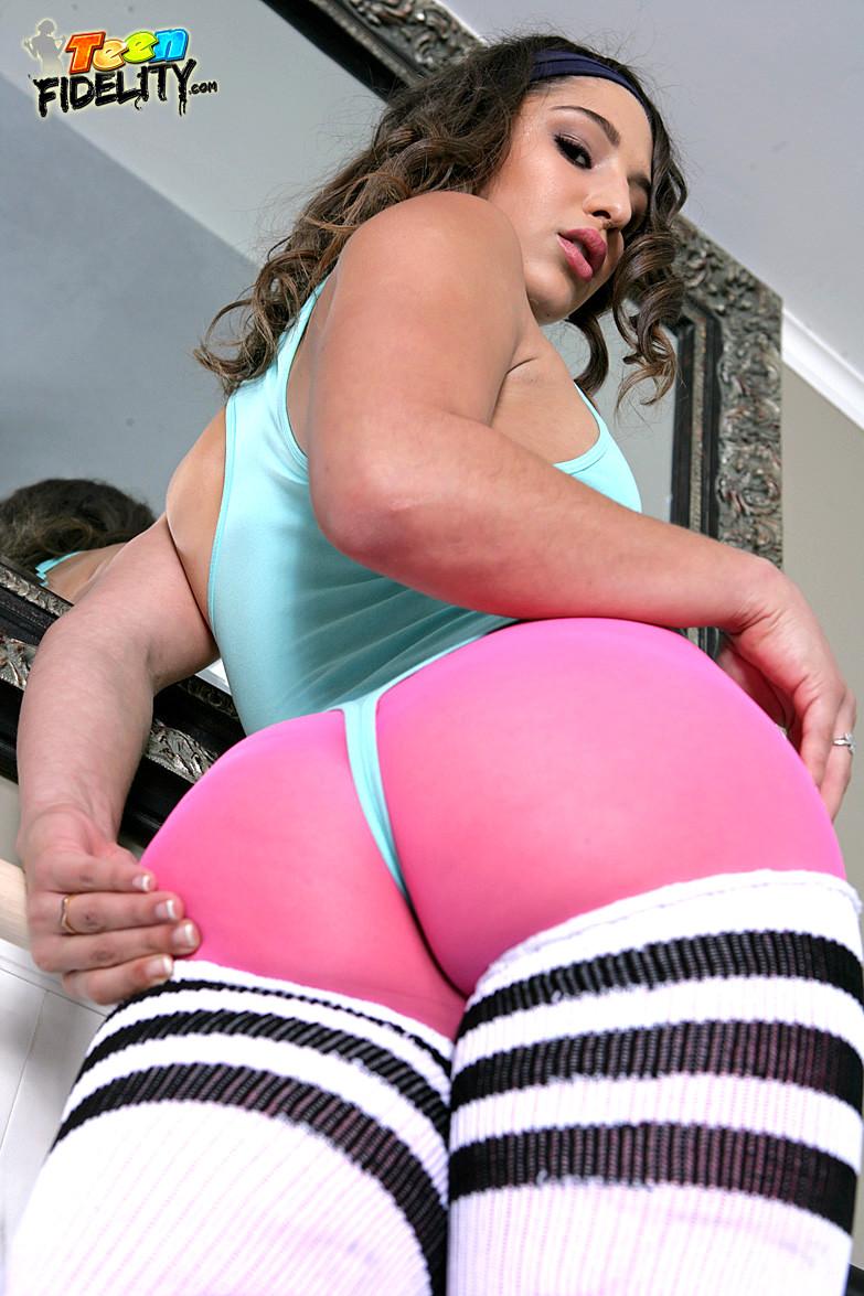 Abella Danger Hosts Orgy