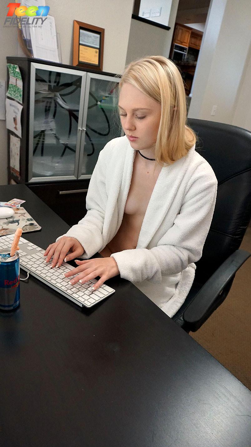image Teenfidelity schoolgirl michelle taylor creampie sex ed