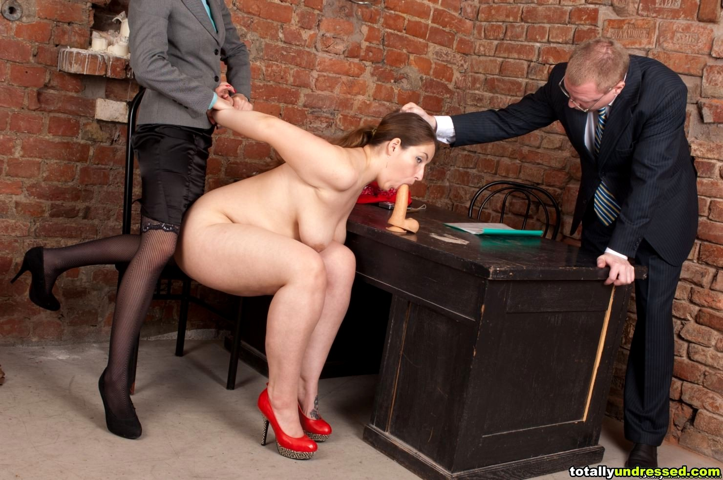 Hot Gabriela Getting Naked In Gyno Office And Being Humiliated During Gyno
