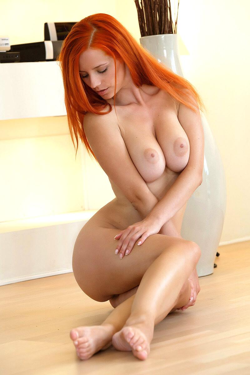Redhead Nice Tits