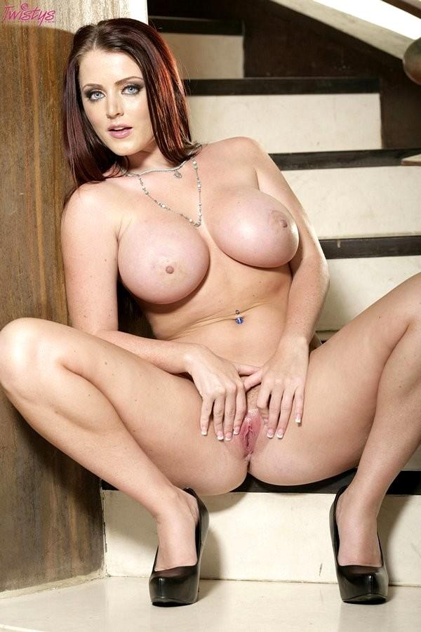 бесплатно фото голая sophie dee