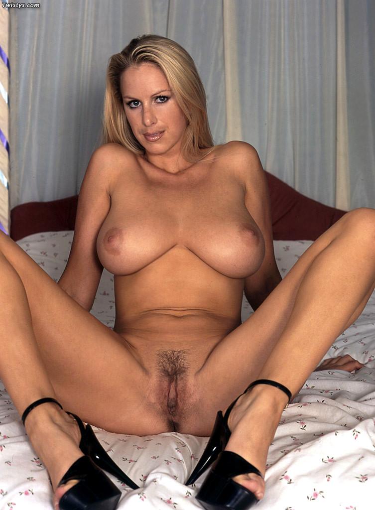 rachel stevens naked with legs