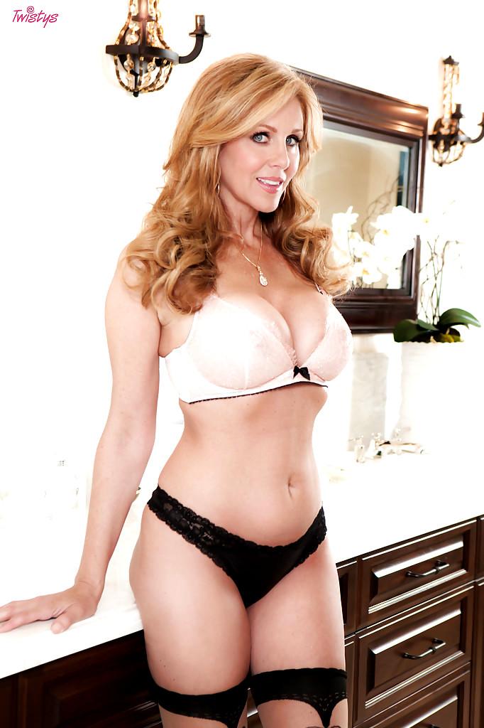 Julia Ann Sex Videos