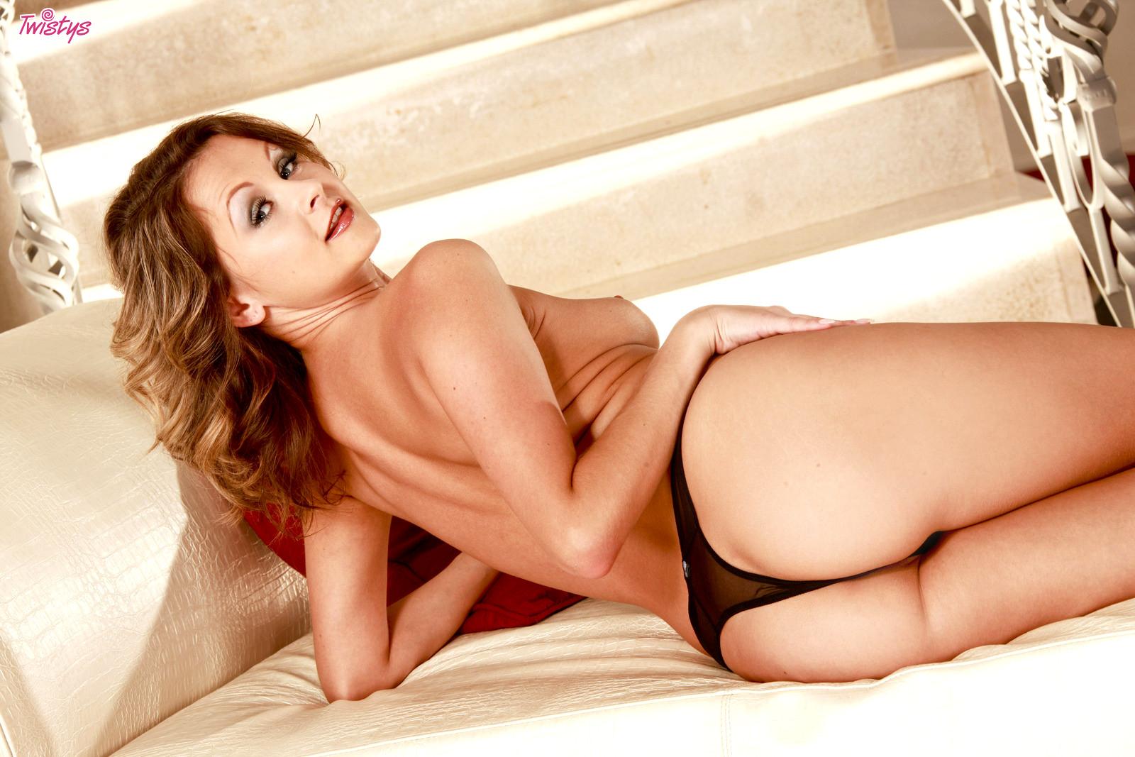 Latina escort sofia char tries porn_6370