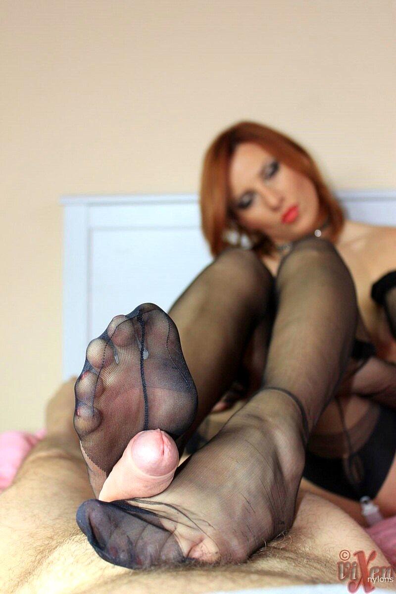 A hot pantyhose footjob that