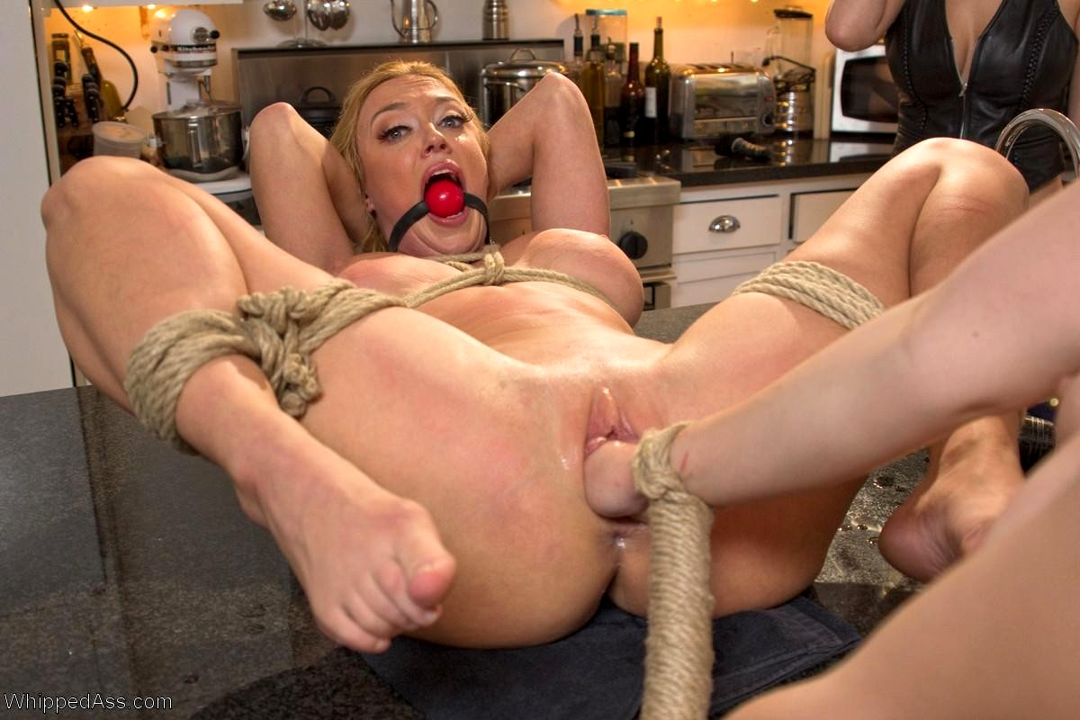 deshevie-video-seks-bdsm-fisting-porno-skritaya