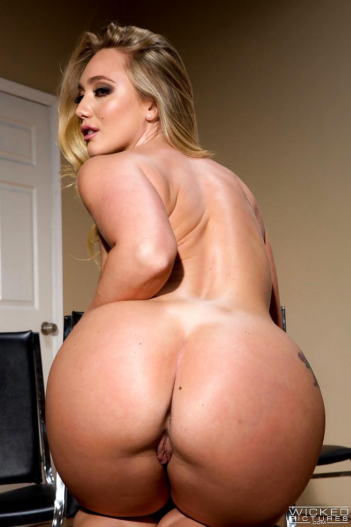 Blonde milf pornstar