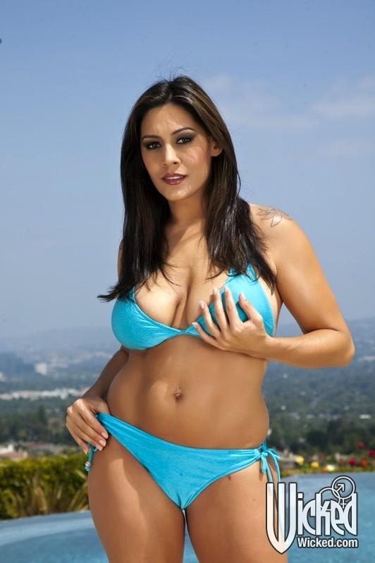 Luscious big breasts alisa amore hot hungarian babe