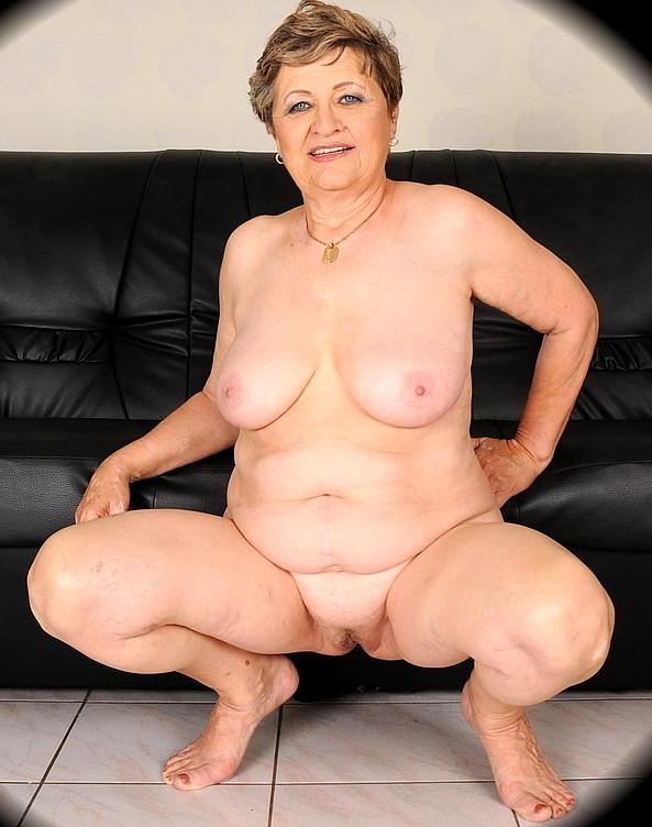 Granny show porn pics