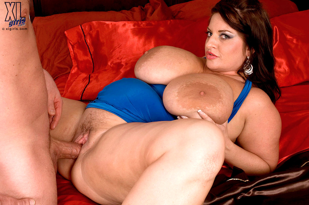 maria-moore-threesomes-mfat-mature-gay