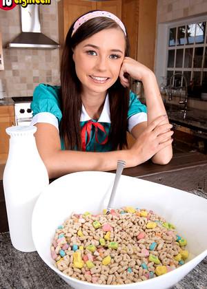 Sex HD MOBILE Pics 18 Eighteen Carolina Sweets Kade