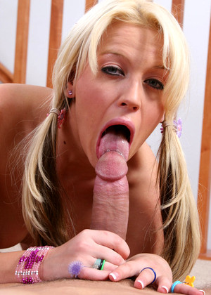 18yearsold Holly Wellin Real Ball Licking Generation