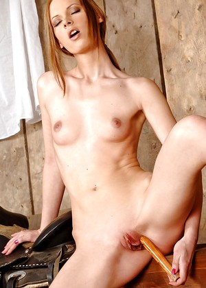 1byday 1byday Model Good Shaved Girl