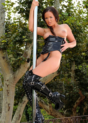 1byday Linet Erotic Stripper Club
