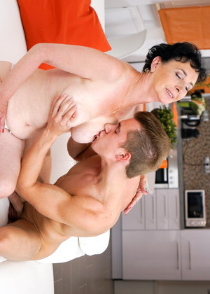 21sextreme 21sextreme Model Reliable Mom And Son Gallery