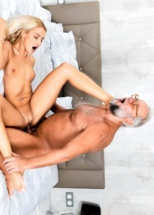 Hot Blonde Chick Chary Kiss Swallows The Sperm Of An Old Man 1