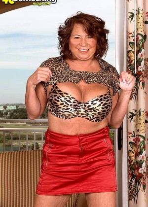 40somethingmag Suzie Wood Exemplary Grannies Sexcutie