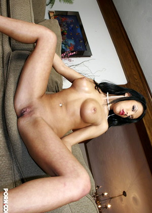 4kdesire Maya Gates Desirable Milf Cinema