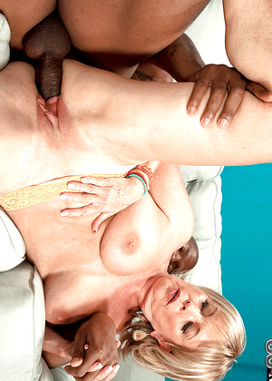 Sexy american granny lexi mccain gets a facial after fucking younger guy