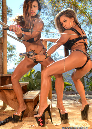 Actiongirls Armie Flores Genevieve Valente Armie Field Genevive Valente Awesome Action Girls Tits Multimedia