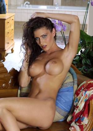 Actiongirls Jessica Jaymes Good Brunettes Garden