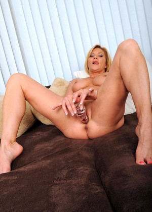 Anilos Ginger Lynn Hot Blonde Site