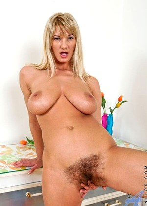 Anilos Lovely Vanessa Some Hairy Hdxxx