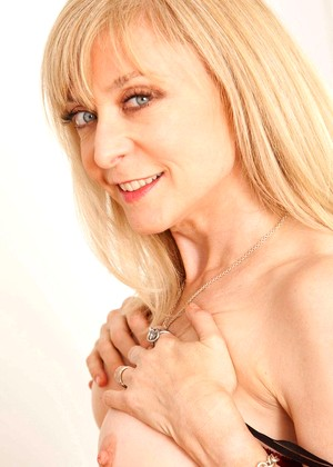 Anilos Nina Hartley Ero Mature In Lingerie College