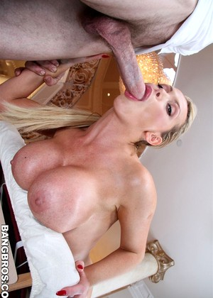 Bangbros Nikki Benz High Resolution Blonde Mobileimage