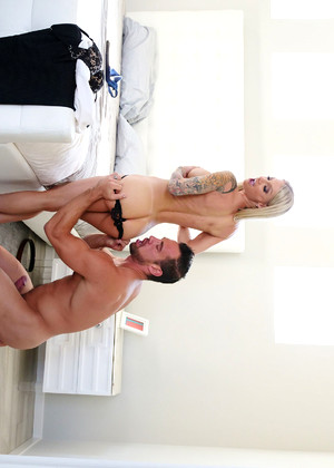 Bangbrosnetwork Synthia Fixx Satisfied Blonde Porntour